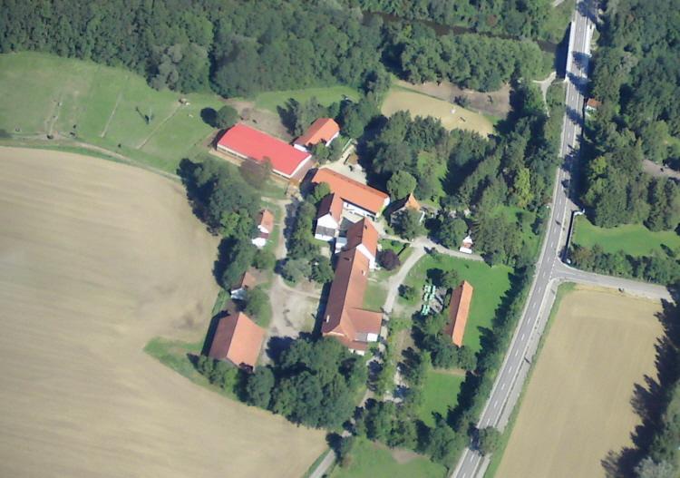 Luftaufnahme Gut Zollhaus in Türkheim Tierarzt Dr. Hebeler